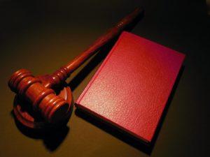 Permiso de residencia y antecedentes penales