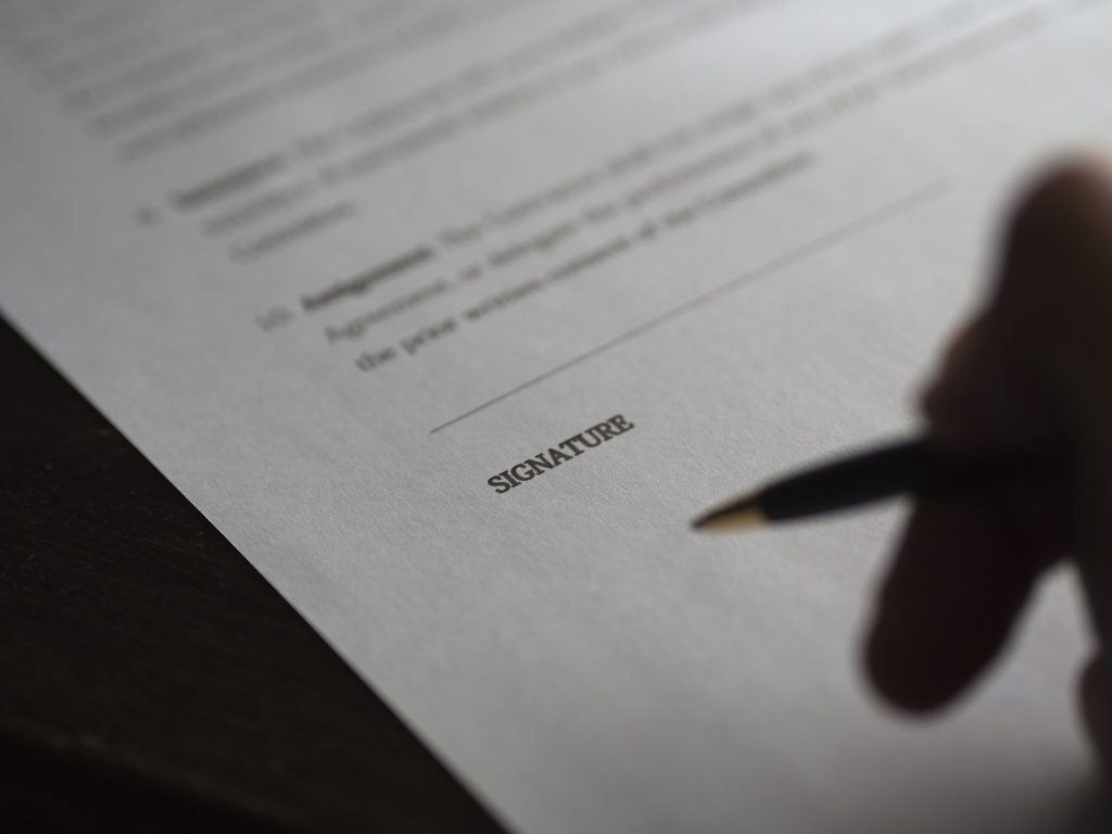 Abogados especialistas en contratos